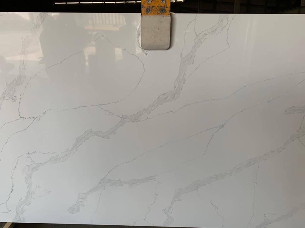Item Img 55822 Calacatta Pearl